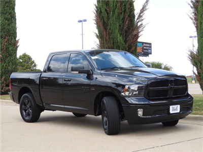 2018 Ram 1500 Crew Cab 4x4, Pickup #JS142365 - photo 11