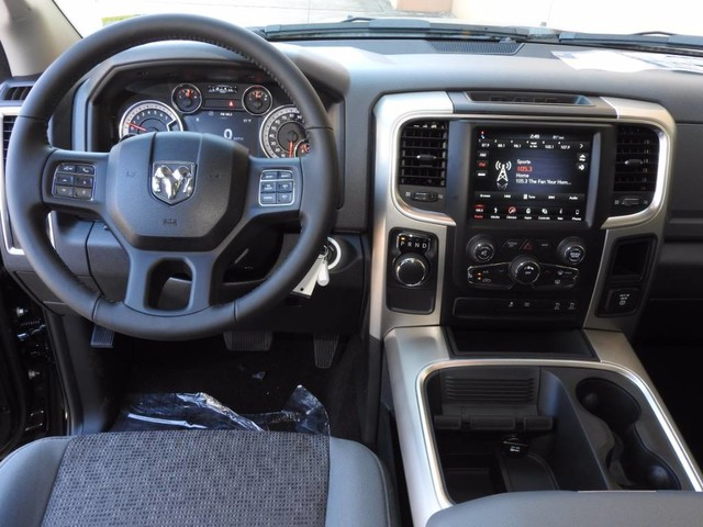 2018 Ram 1500 Crew Cab, Pickup #JS147327 - photo 16