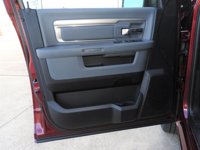 2019 Ram 1500 Crew Cab 4x2,  Pickup #KS564105 - photo 7