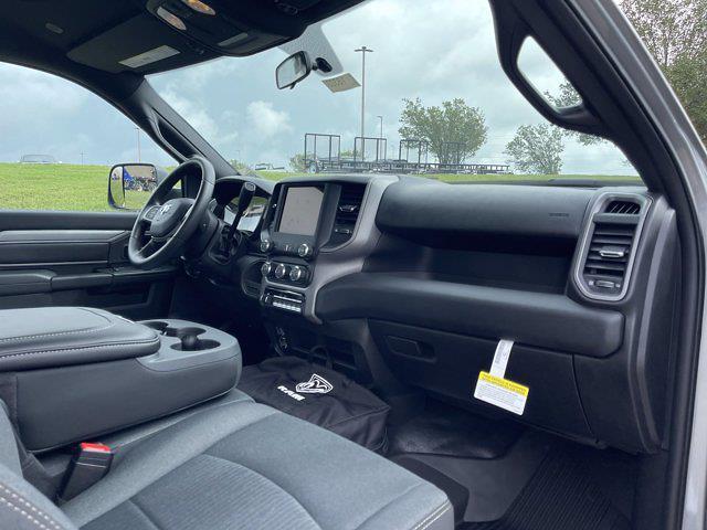 2021 Ram 5500 Regular Cab DRW 4x2,  Cab Chassis #18323 - photo 19