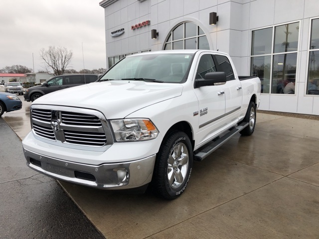 2018 Ram 1500 Crew Cab 4x4 Pickup #18083 - photo 4