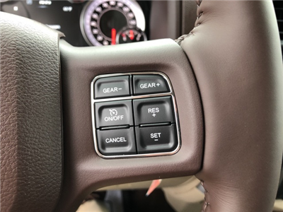 2018 Ram 1500 Crew Cab 4x4 Pickup #18083 - photo 17