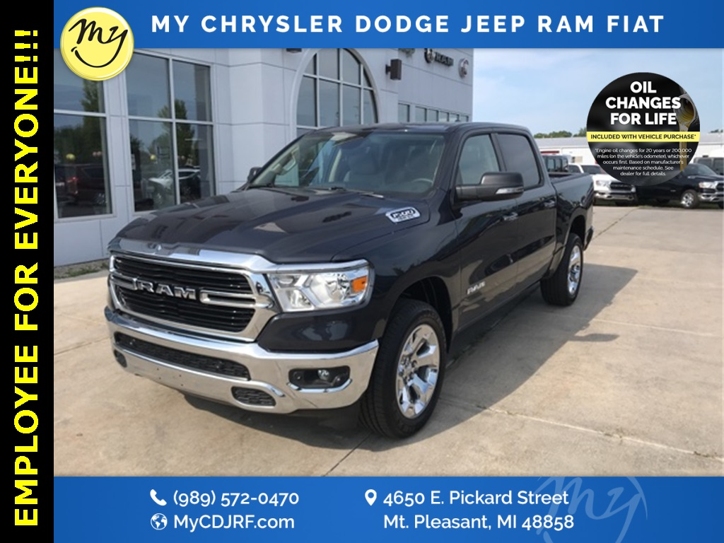 2019 Ram 1500 Crew Cab 4x4, Pickup #19360 - photo 1