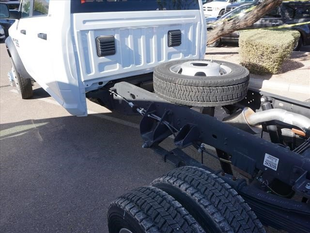 2016 Ram 5500 Crew Cab DRW 4x4 Cab Chassis #GG139465 - photo 2