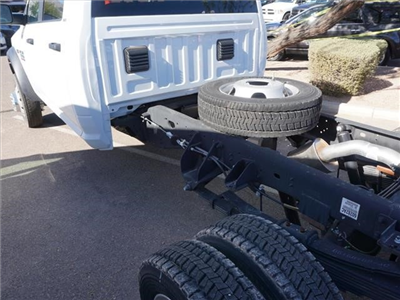 2016 Ram 5500 Crew Cab DRW 4x4, Cab Chassis #GG139465 - photo 2