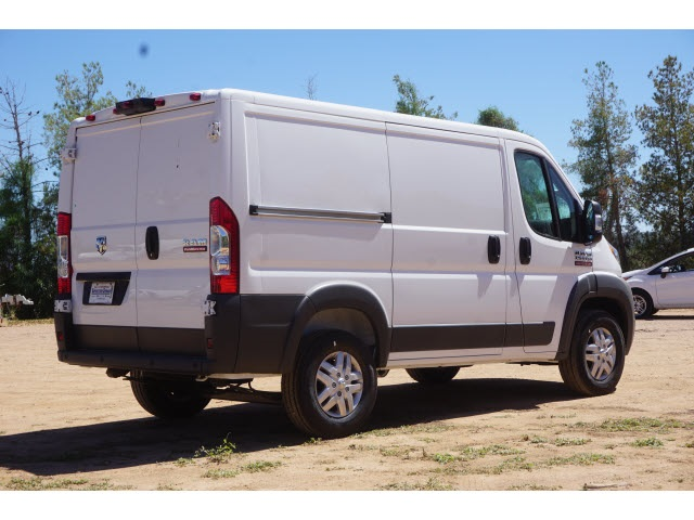 2017 ProMaster 1500 Low Roof 4x2,  Empty Cargo Van #HE546550 - photo 3