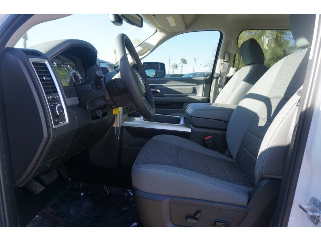 2018 Ram 1500 Crew Cab 4x4,  Pickup #JS147036 - photo 3