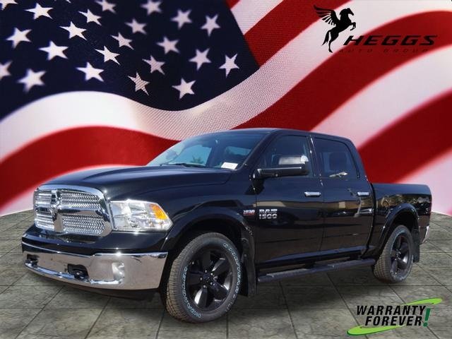 2018 Ram 1500 Crew Cab 4x4, Pickup #JS147039 - photo 1