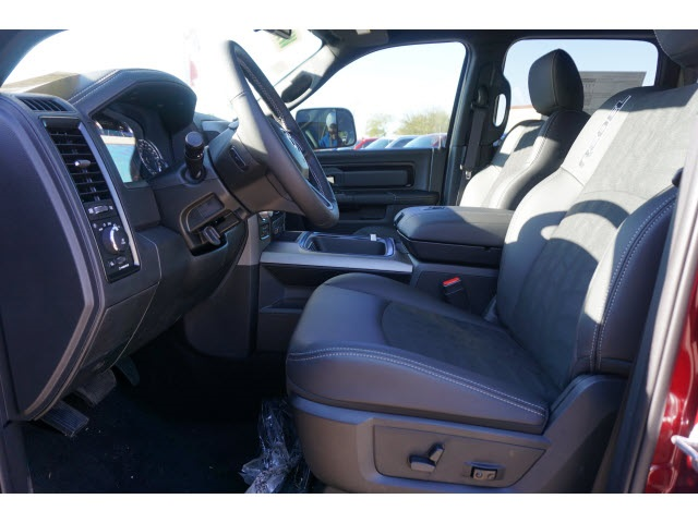2018 Ram 1500 Crew Cab 4x4 Pickup #JS161662 - photo 4
