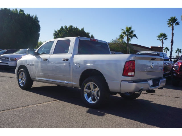 2018 Ram 1500 Crew Cab 4x4, Pickup #JS194510 - photo 2