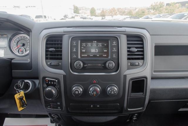 2017 Ram 1500 Crew Cab 4x4, Pickup #B1195 - photo 15