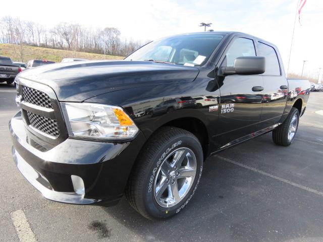 2017 Ram 1500 Crew Cab 4x4,  Pickup #B1250 - photo 7