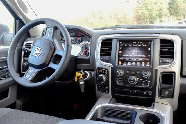 2017 Ram 1500 Crew Cab 4x4, Pickup #B1298 - photo 19