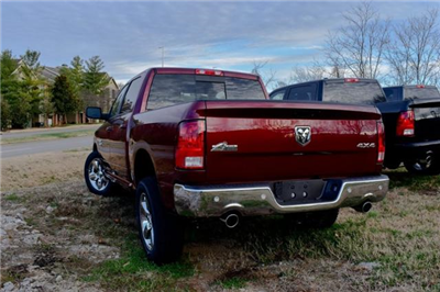2017 Ram 1500 Crew Cab 4x4, Pickup #B1298 - photo 5