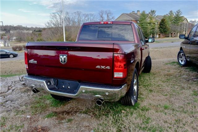 2017 Ram 1500 Crew Cab 4x4, Pickup #B1298 - photo 7