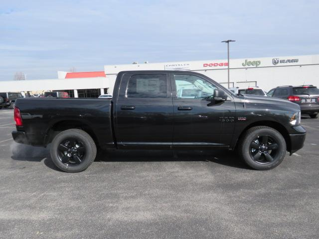 2018 Ram 1500 Crew Cab 4x4, Pickup #C1066 - photo 3