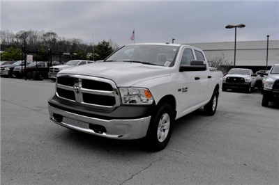 2017 Ram 1500 Crew Cab 4x4,  Pickup #FB1062 - photo 4