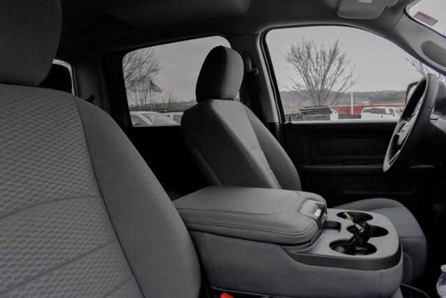 2017 Ram 1500 Crew Cab 4x4,  Pickup #FB1063 - photo 18
