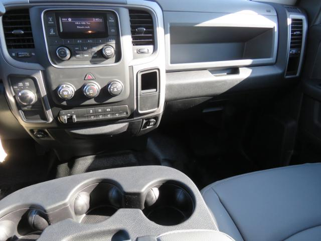 2017 Ram 5500 Crew Cab DRW 4x4, Hauler Body #FB1073 - photo 13