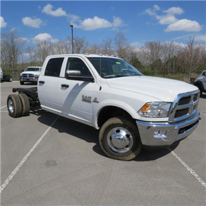 2017 Ram 3500 Crew Cab DRW 4x4, Cab Chassis #FB1180 - photo 4