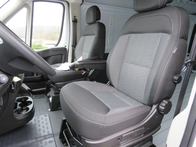 2017 ProMaster 2500 High Roof FWD,  Empty Cargo Van #FB1182 - photo 20