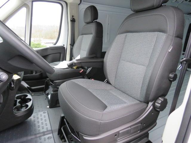 2017 ProMaster 2500 High Roof FWD,  Empty Cargo Van #FB1197 - photo 17