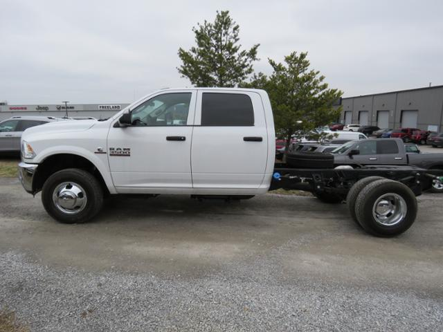 2017 Ram 3500 Crew Cab DRW 4x4,  Cab Chassis #FB1227 - photo 7