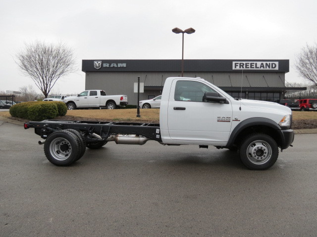 2018 Ram 5500 Regular Cab DRW 4x4,  Cab Chassis #FC1015 - photo 3