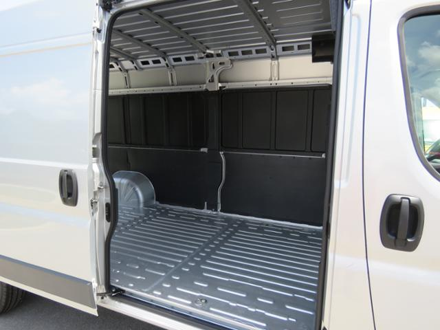 2018 ProMaster 3500 High Roof FWD,  Empty Cargo Van #JE131268 - photo 14