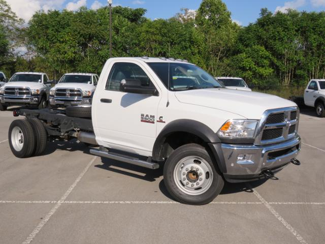2018 Ram 5500 Regular Cab DRW 4x2,  Cab Chassis #JG243989 - photo 3