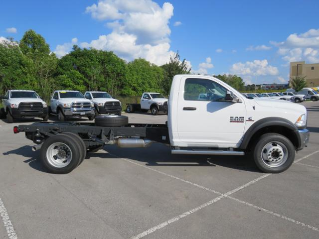 2018 Ram 5500 Regular Cab DRW 4x2,  Cab Chassis #JG243989 - photo 4