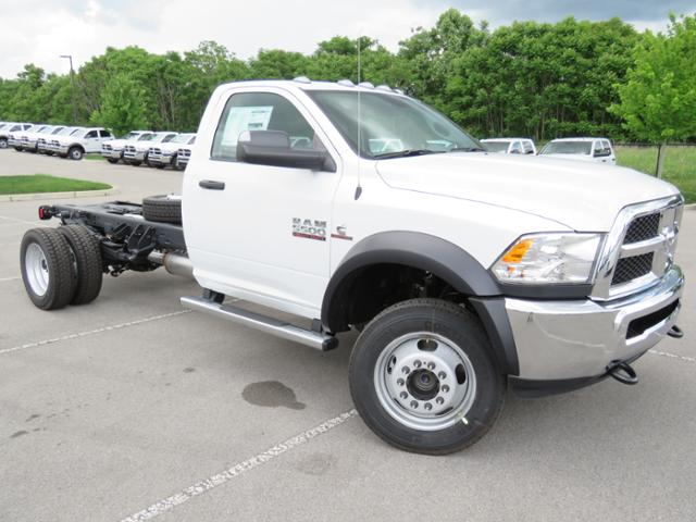 2018 Ram 5500 Regular Cab DRW 4x4,  Cab Chassis #JG263609 - photo 3