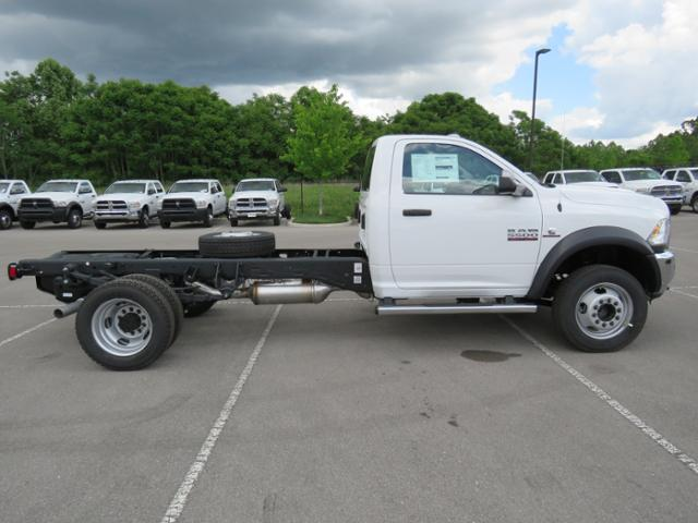 2018 Ram 5500 Regular Cab DRW 4x4,  Cab Chassis #JG263609 - photo 4