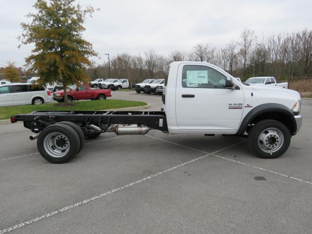 2018 Ram 5500 Regular Cab DRW 4x2,  Cab Chassis #JG354569 - photo 3