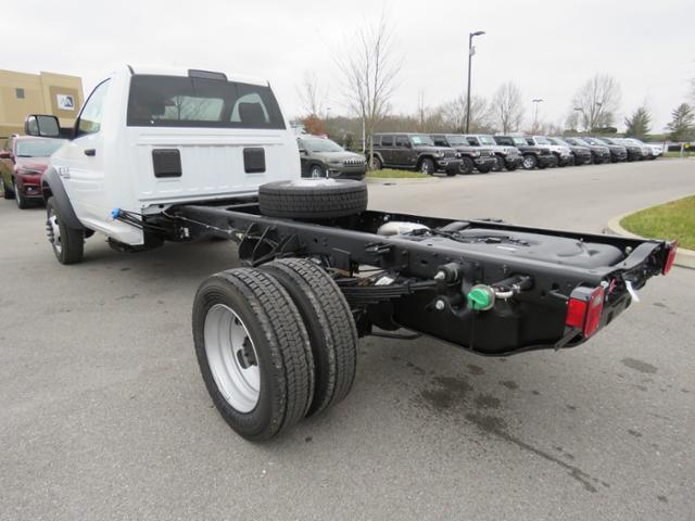 2018 Ram 5500 Regular Cab DRW 4x2,  Cab Chassis #JG360350 - photo 2
