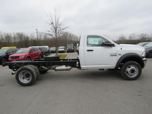 2018 Ram 5500 Regular Cab DRW 4x2,  Cab Chassis #JG360355 - photo 5