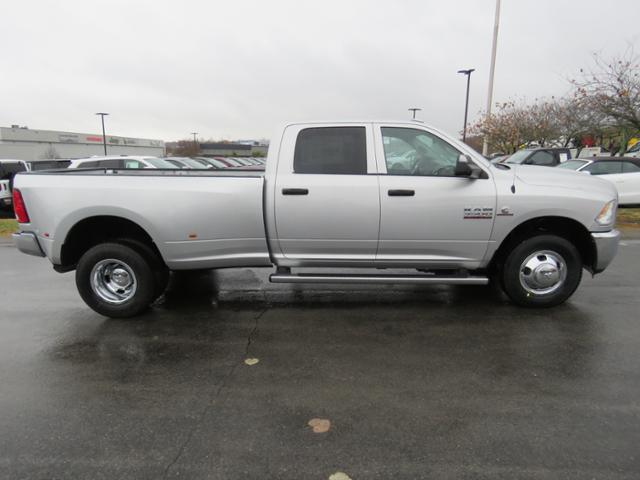2018 Ram 3500 Crew Cab DRW 4x2,  Pickup #JG383662 - photo 4