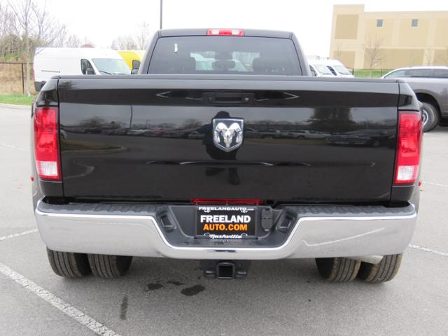 2018 Ram 3500 Crew Cab DRW 4x2,  Pickup #JG392311 - photo 4