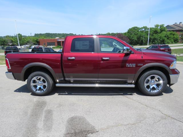 2018 Ram 1500 Crew Cab 4x4,  Pickup #JS281592 - photo 3