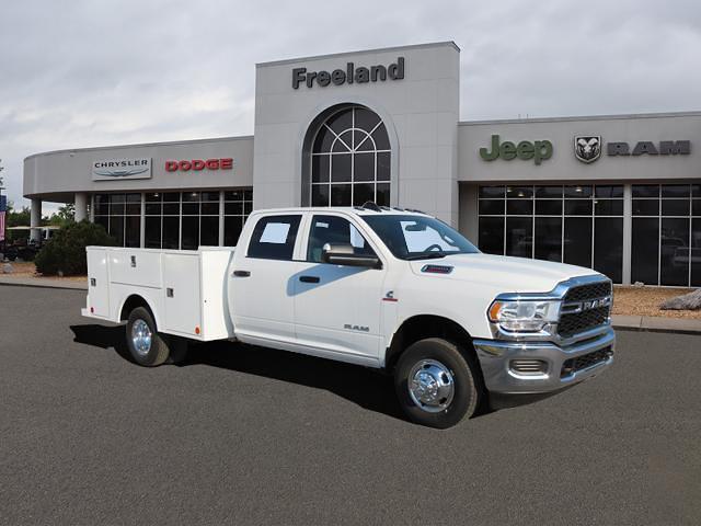 2021 Ram 3500 Crew Cab DRW 4x4, Commercial Truck & Van Equipment Platform Body #MG507341 - photo 1