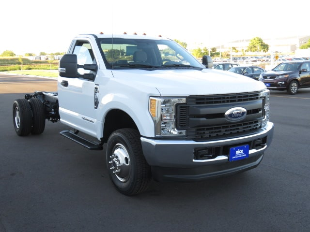 2017 F-350 Regular Cab DRW 4x4, Cab Chassis #T79075 - photo 3