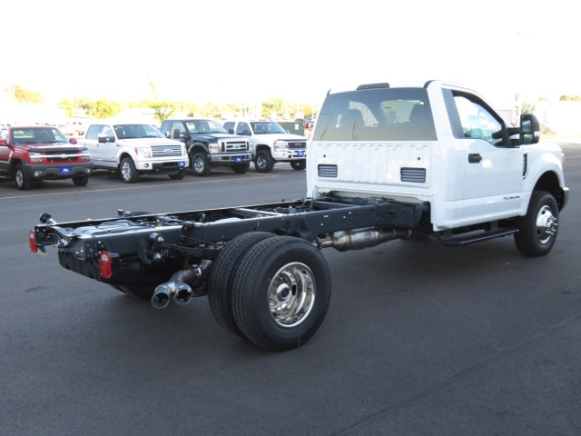2017 F-350 Regular Cab DRW 4x4, Cab Chassis #T79075 - photo 4