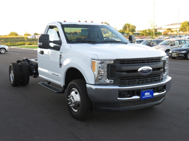 2017 F-350 Regular Cab DRW 4x4, Cab Chassis #T79076 - photo 3
