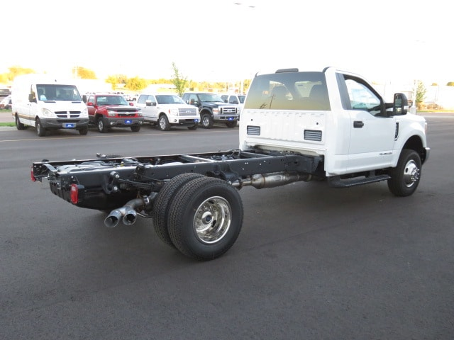 2017 F-350 Regular Cab DRW 4x4, Cab Chassis #T79076 - photo 4