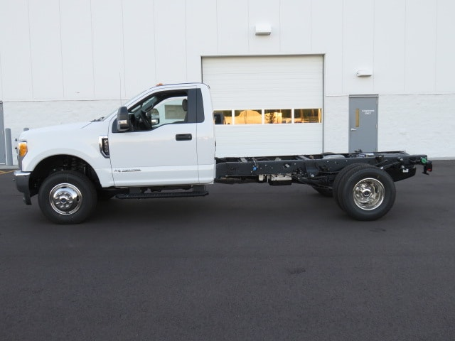 2017 F-350 Regular Cab DRW 4x4 Cab Chassis #T79076 - photo 5