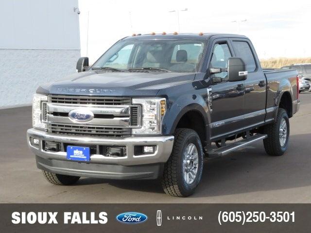 2018 F-250 Crew Cab 4x4, Pickup #T80132 - photo 1