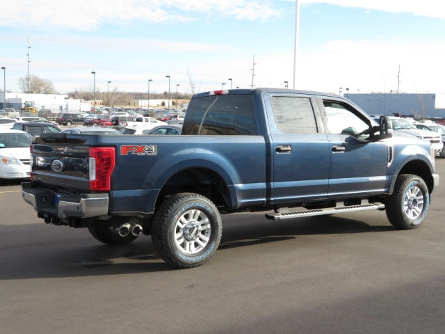 2018 F-250 Crew Cab 4x4, Pickup #T80132 - photo 4