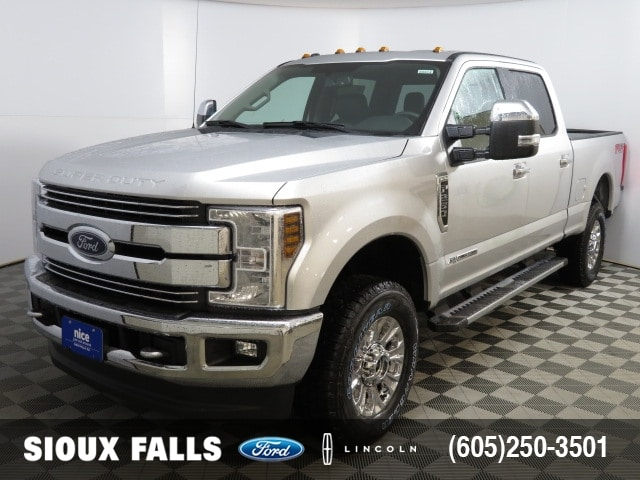2018 F-250 Crew Cab 4x4, Pickup #T80914 - photo 1