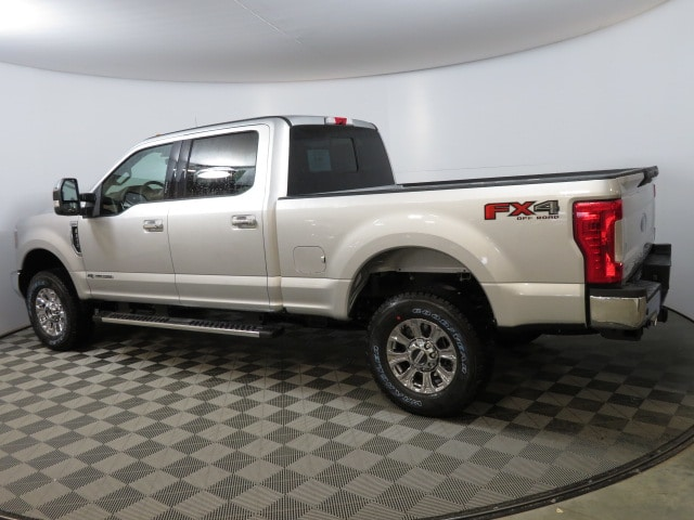 2018 F-250 Crew Cab 4x4, Pickup #T80914 - photo 2