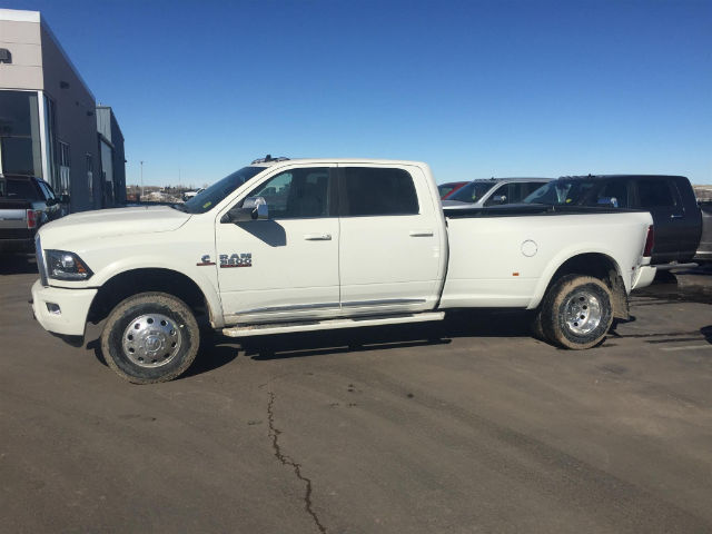 2018 Ram 3500 Crew Cab DRW 4x4, Pickup #R18107 - photo 4
